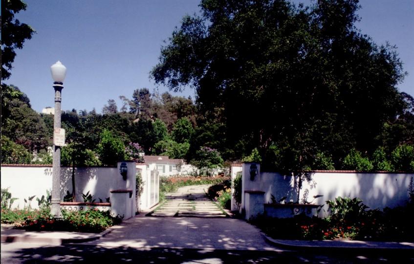 Adele and Roy Huggins Estate (4)