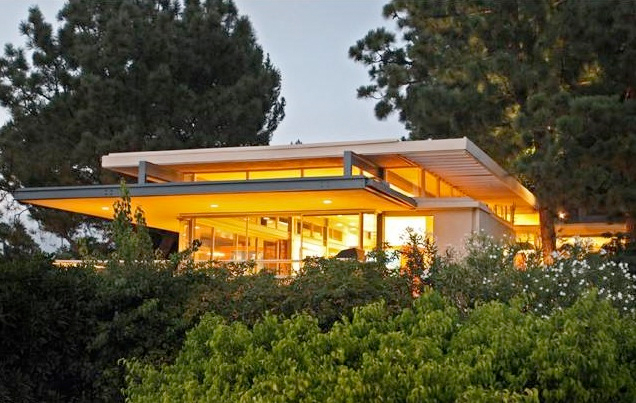 The Ralph Brown Residence (2)